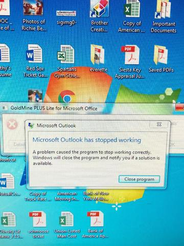 Outlook Crashes constantaly multiple PCs - Stopped Working